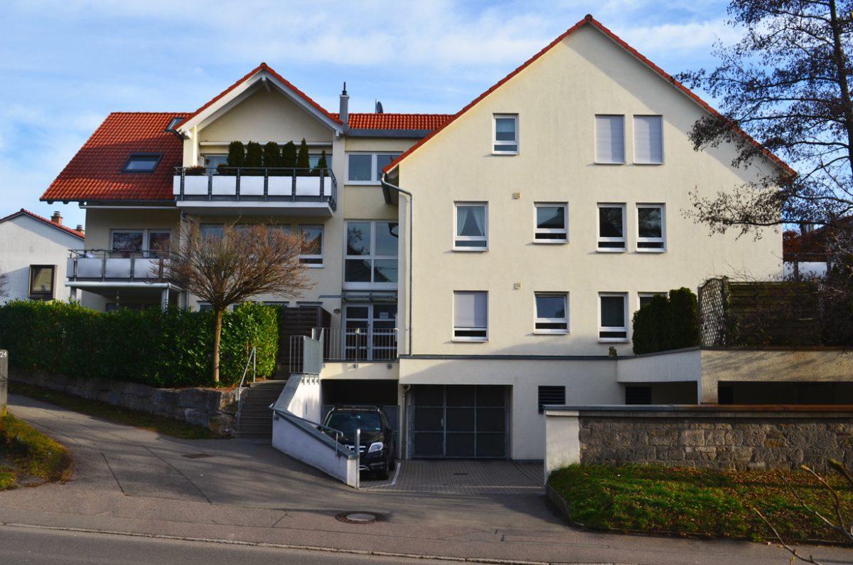 9-Familienhaus In Ostfildern. Verantwortlicher Architekt: Karl Eisenbraun