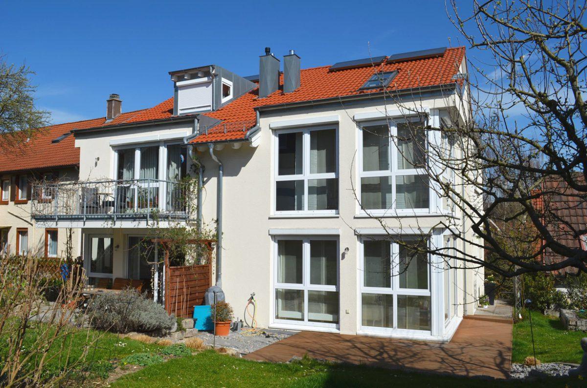 Rückansicht Doppelhaus Ostfildern. Verantwortlicher Architekt: Karl Eisenbraun