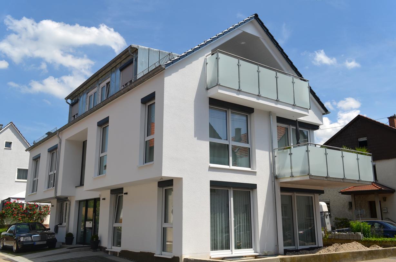 Energieffizientes 4-Familienwohnhaus mit Sonnenterasse