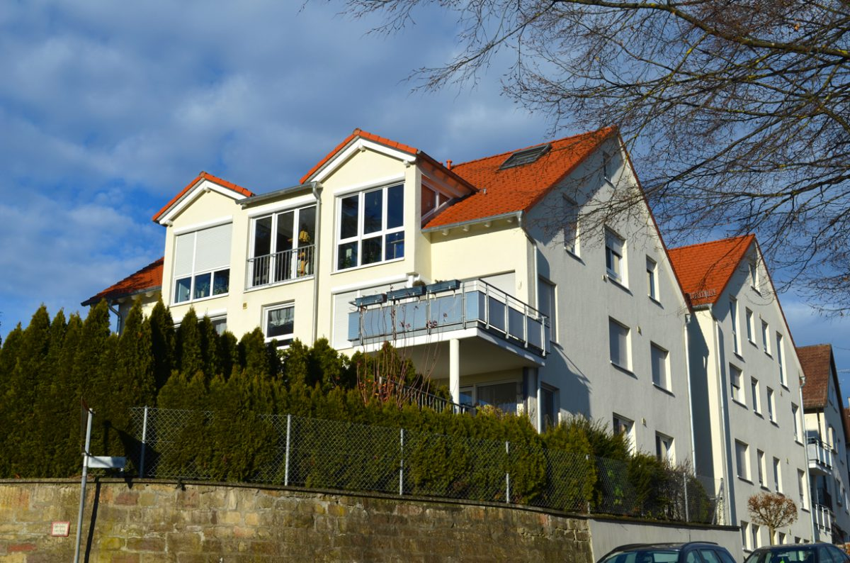 Seitenansicht 11-Familienhaus Ostfildern. Verantwortlicher Architekt: Karl Eisenbraun