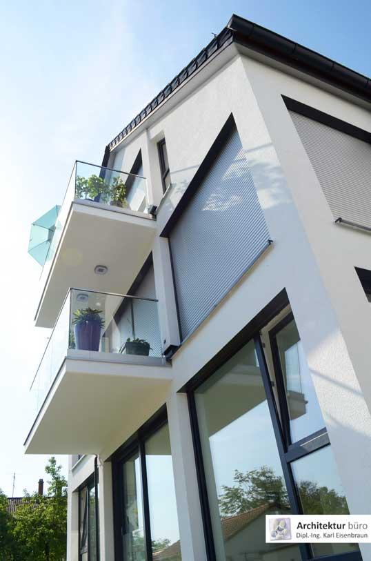 Referenzprojekt: Hausansicht eines 4-Familienwohnhauses mit Luft-Wasser-Wärmepumpe