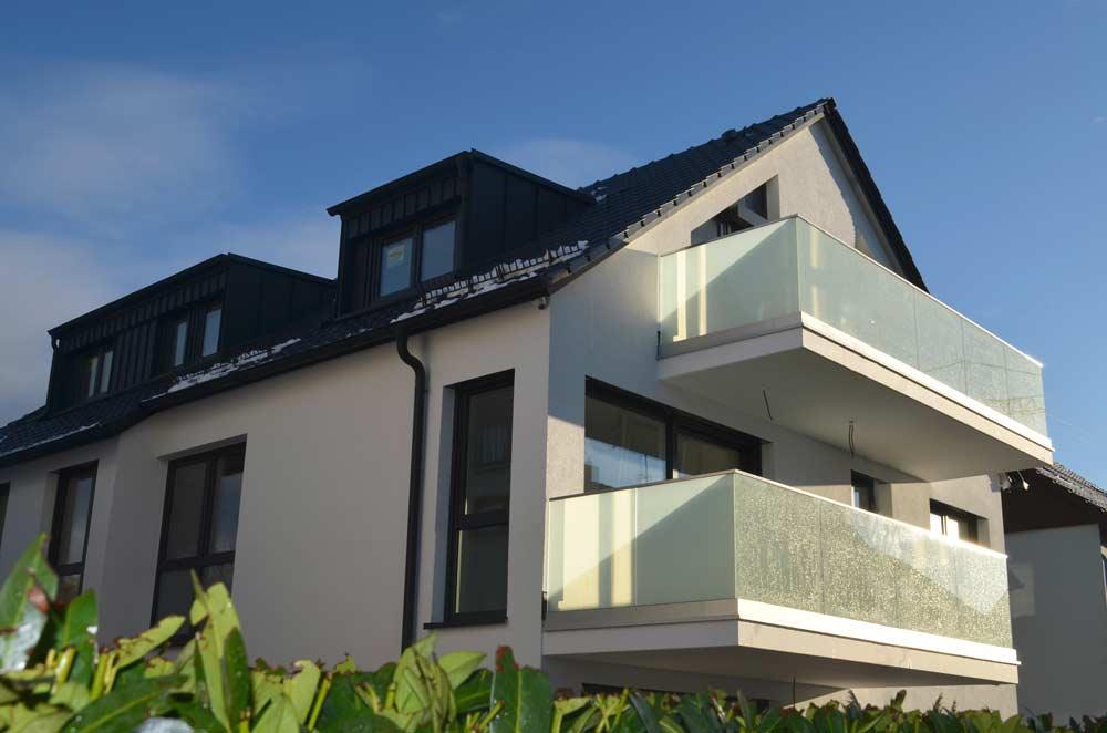 Ansicht Eines Vom Architekturbüro Geplanten 4-Familienwohnhauses Mit Luft-Wasser-Wärmepumpe